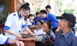 Thầy thuốc trẻ cả nước đồng loạt khám bệnh, cấp phát thuốc miễn phí cho người dân