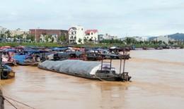 Mưa lớn gây lũ ở sông Kalong thiệt hại nặng nề, chưa tìm được người mất tích