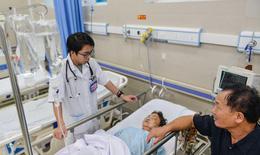 Nắng gắt 40 độ, bệnh viện trang bị điều hòa, quạt máy chống nóng cho bệnh nhân