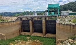 """Hạn hán nghiêm trọng, hàng loạt thủy điện khô cạn trơ đáy ở """"mực nước chết"""""""