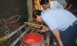 Diệt bọ gậy, phun hóa chất triệt để tại các ổ dịch sốt xuất huyết và những nơi có nguy cơ cao