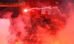 Cấm cổ động viên Nam Định vào sân khách 2 trận sau vụ đốt pháo sáng gây thương tích