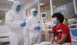 Thủ tướng gửi thư động viên thầy thuốc và kêu gọi cả nước chung tay đẩy lùi dịch COVID-19
