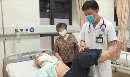 Nhiều người nhập viện giữa nắng nóng đỉnh điểm, bác sĩ chỉ cách để luôn khỏe mạnh
