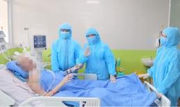 [Video] BN91 vẫy tay chào bác sĩ từ giường bệnh, phổi đã phục hồi dần