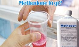 Tưởng nước giải khát, bé trai uống nhầm chất hỗ trợ cai nghiện ma túy để trong tủ lạnh