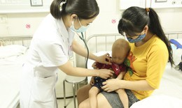 Trẻ thấp bé, nhẹ cân, chậm vận động - Coi chừng mắc bệnh hiểm
