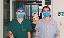 Người đàn ông mắc COVID-19 nhồi máu phổi, nguy cơ tử vong 70%, tươi cười ra viện