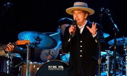 Nhà văn, nhạc sĩ, ca sĩ Bob Dylan trở thành chủ nhân giải Nobel văn học 2016
