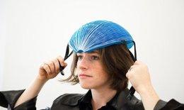 Mũ bảo hiểm bằng giấy đoạt giải thưởng sáng tạo khoa học