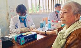 Bến Tre: Hơn 1.000 lượt người dân được tầm soát, khám, tư vấn sức khỏe miễn phí