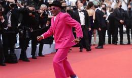 Sao quốc tế 'chặt đẹp' nhau trên thảm đỏ Liên hoan phim Cannes 2021