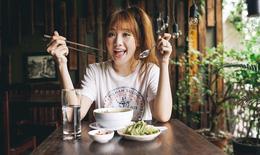 Dân mạng khuyên Hari Won: Tiết kiệm đồ ăn đi, ngoài kia mọi người phải lo miếng ăn từng ngày