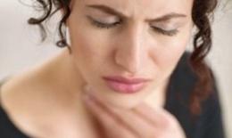 Bị viêm họng mạn tính- Phải làm sao?