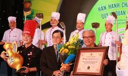 Vedan lập kỷ lục chảo cơm chiên lớn nhất Việt Nam