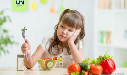 Trẻ biếng ăn hơn trong mùa hè - mẹ bỏ túi 7 bí quyết này ngay nhé