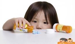 Sai lầm của mẹ khi tự ý dùng kháng sinh cho bé