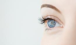 Những sai lầm dẫn đến khô mắt mà bạn không nhận ra