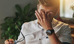 Tìm hiểu và phòng tránh bệnh khô mắt cho dân văn phòng