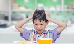 Biếng ăn sinh lý và biếng ăn bệnh lý: Các mẹ đã hiểu đúng cách?