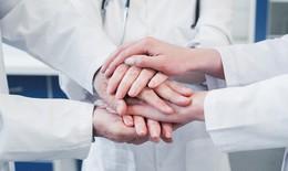 Chống dịch - nhiều câu chuyện xúc động về người thầy thuốc được bày tỏ