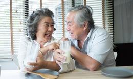 """Xây dựng """"hàng rào"""" miễn dịch giúp người lớn tuổi vượt qua dịch bệnh"""