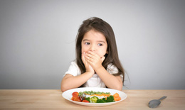 Nôn, trớ, biếng ăn, ăn không tiêu ảnh hưởng thế nào đến sức khoẻ?