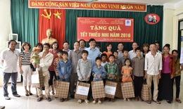 Thứ trưởng Nguyễn Thanh Long thăm và chúc tết thiếu nhi cho trẻ em nhiễm HIV tại Sơn La
