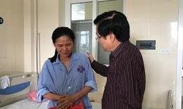 BV K tặng quà bệnh nhân là thân nhân gia đình thương binh, liệt sĩ