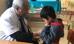 Khám, cấp phát thuốc miễn phí cho hơn 1.000 trẻ em vùng cao Mường Khương