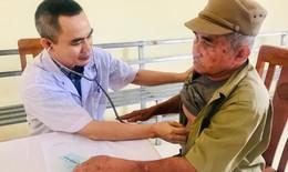 Bệnh viện Bạch Mai khám, phát thuốc miễn phí, tặng quà 500 đối tượng chính sách tại Hà Nam