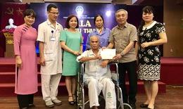 Ngày Thương binh liệt sỹ: Bệnh viện Bạch Mai tặng quà tri ân, cắt tóc, gội đầu miễn phí cho bệnh nhân