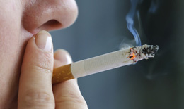 Báo động: 15 triệu nam giới trưởng thành Việt Nam mang bệnh cho mình và cộng đồng vì hút thuốc lá