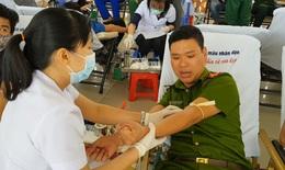 Phó Thủ tướng kêu gọi thanh niên và những người khoẻ mạnh tích cực tham gia hiến máu