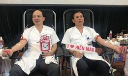 Hàng trăm thầy thuốc Bệnh viện Châm cứu Trung ương hiến máu vì người bệnh