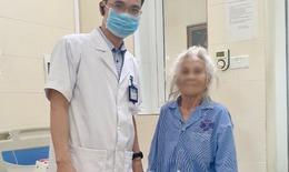 Chuyên gia Bệnh viện K khuyến cáo: Mắc ung thư ở tuổi 80, 90 đừng buông xuôi
