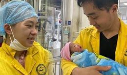 Bộ trưởng Bộ Y tế khen y bác sĩ 2 bệnh viện cứu sống mẹ, thai nhi bị tai nạn giao thông nghiêm trọng
