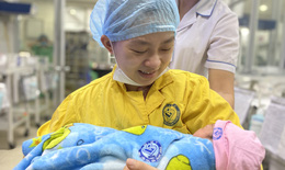 Ca phẫu thuật trong đêm cứu sống cả mẹ và thai nhi 30 tuần tuổi bị tai nạn nghiêm trọng