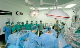 Bộ trưởng Nguyễn Thanh Long bày tỏ lòng cảm phục, tri ân người mẹ quyết định hiến tạng con trai cứu nhiều người