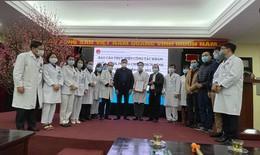 Thứ trưởng Đỗ Xuân Tuyên làm việc về công tác phòng- chống dịch, chúc Tết Bệnh viện Phổi Trung ương