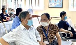 """Chồng chiến thắng ung thư phổi, động viên vợ yên tâm điều trị cùng """"tốt nghiệp Bệnh viện K"""""""