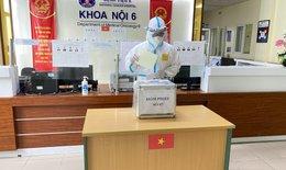 Hơn 2.200 cử tri tại Bệnh viện K bầu cử ĐBQH và HĐND các cấp trong điều kiện an toàn phòng dịch COVID-19