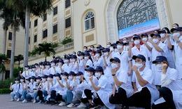 Thêm 60 cán bộ, sinh viên Đại học Y Hà Nội đến chống dịch COVID-19 ở điểm nóng Bắc Ninh