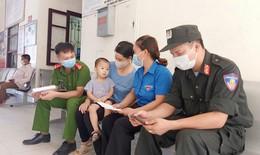 Bộ trưởng Nguyễn Thanh Long tặng Bằng khen 2 sĩ quan công an hiến máu cứu trẻ em trong vùng dịch Bắc Giang