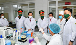 Chủ tịch Quốc hội Vương Đình Huệ: Đẩy nhanh tiến độ thử nghiệm vắc xin COVID-19 Nano Covax để có thể sớm sản xuất trong nước