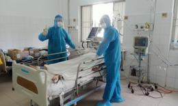 Cứu sống mẹ, con sản phụ mắc COVID-19, suy hô hấp nặng bằng kỹ thuật ECMO