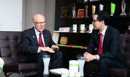 Herbalife Việt Nam: 6 năm thành lập và chuyến thăm ý nghĩa của tiến sĩ đạt giải Nobel Louis Ignarro