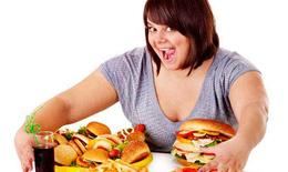 Thói quen xấu trước khi ngủ khiến bạn tăng cân