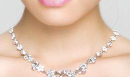 Khắc phục tình trạng dị ứng da do đeo trang sức kim loại