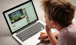 Chăm sóc mắt khi học trực tuyến mùa COVID